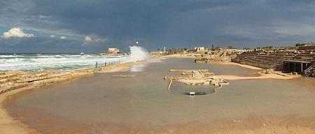 Hippodrome Caesarea Maritima smallest (WM tango7174 CC 4.0)